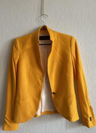 Пиджак жакет на шелковой подкладке