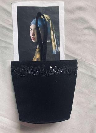 Красивая велюровая сумочка