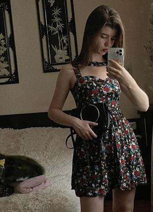 Актуальна квіткова сукня
