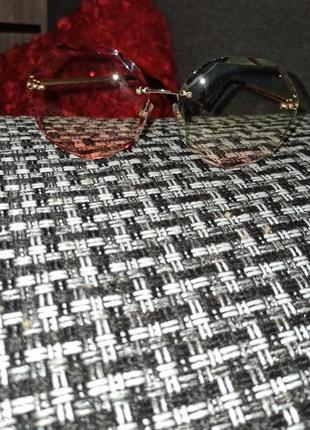 Солнцезащитные очки женские круглой формы без оправы