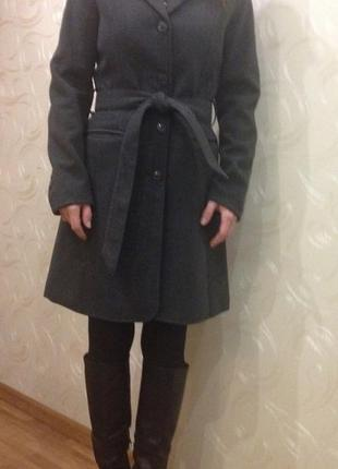 Пальто h&m р-р.38 s-m, на рост примерно 165 см!