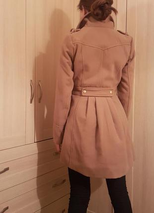 Демисезонное пальто верблюжьего цвета4