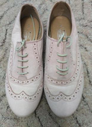 Туфельки цвета пудры