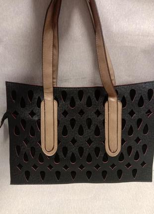 Повседневная женская сумка с перфорированным крупным узором