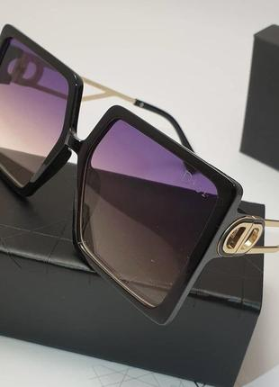 Самые модные очки квадраты