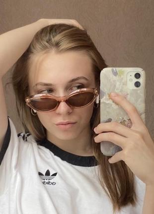 Солнечные очки овальные