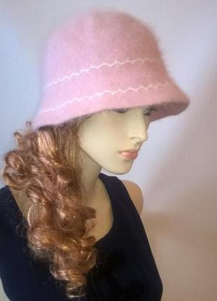 Пудровая шляпка клош