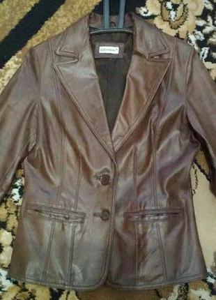 Шыкарная кожаная куртка c&a 100% натуральная кожа