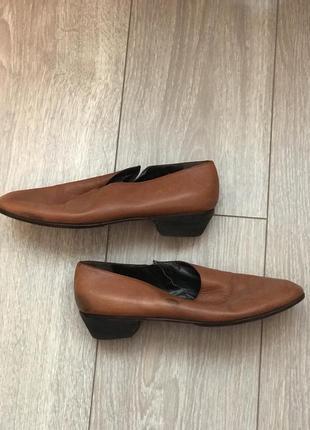 Балетки-туфельки на мини каблуке