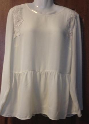 Кремовая блуза george с кружевами.
