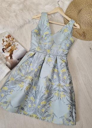 Фактурное платье сарафан цветочный принт голубое желтые цветы