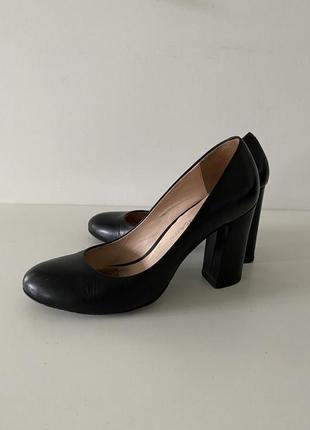 Чёрные классические туфли 👞 carlo pazolini ( 35-36 размер)