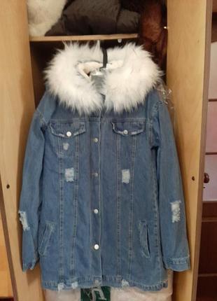 Красивая зимняя джинсовая курточка