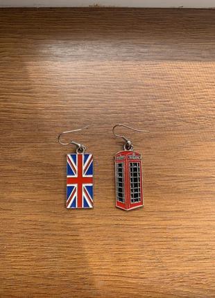 Сережки з символікою великобританії