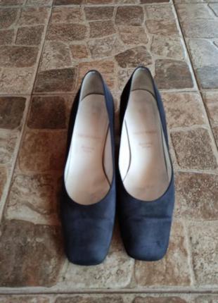 Замшевые туфли италия