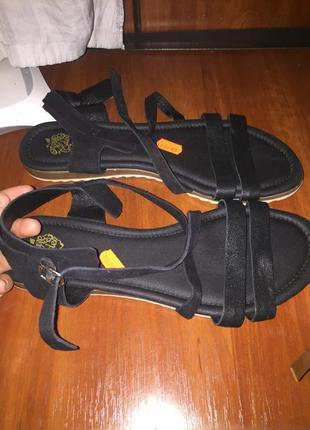 Босоножки сандали натуральная кожа шкіра шкіряні кожаные на низком ходу плоской подошве