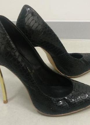 Casadei оригінальні туфлі