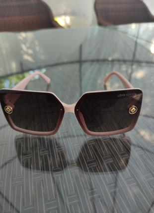 Солнцезащитные очки  louis vuitton линзы полароид