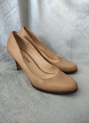 Buffalo london - женские классические туфли-лодочки бежевого цвета на высоком каблуке