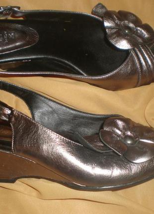 6 - 25.5 см   кожаные  босоножки ф. tlc