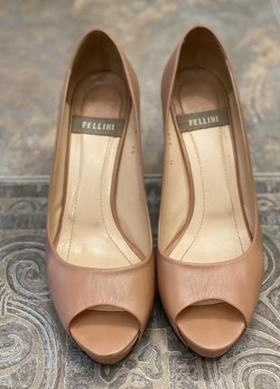 Fellini туфли , 39р. италия