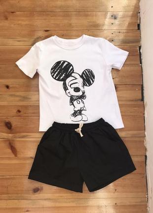 Костюм футболка и шорты