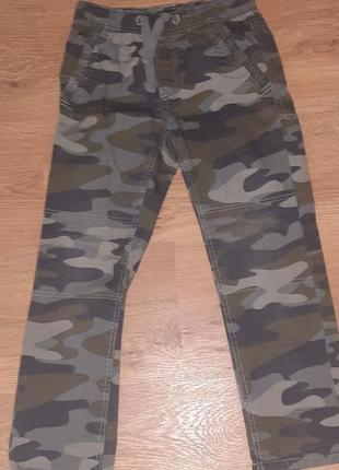 Летние штаны брюки хаки kiabi 5-6лет 110-116