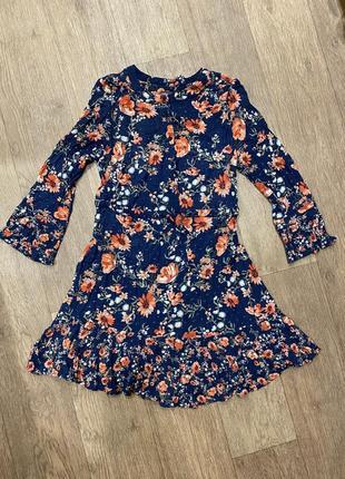 Платье рубашка ,воротник ,под пояс лёгкое воздушное, цветы