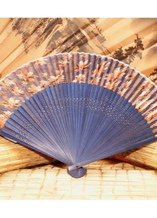Шелковый веер на бамбуковой основе для лета