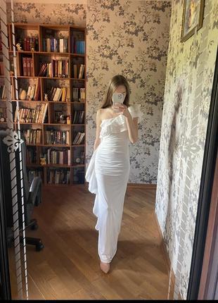 Платье белое выпускное свадебное для фотосесии