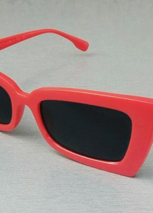 Gucci очки женские солнцезащитные линзы черные в красной оправе