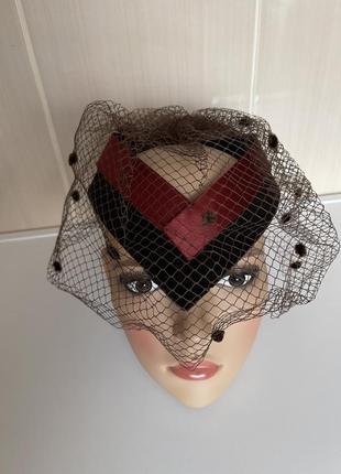 Шикарная винтажная шляпка с сеточкой