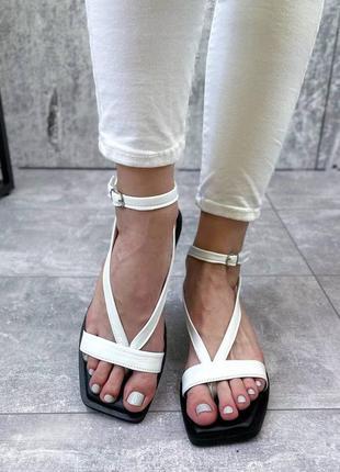 Белые босоножки сандали вьетнамки с переплетом
