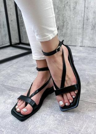 Черные босоножки сандали вьетнамки с переплетом