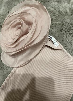 Кофта майка топ zara с розой на одной плечо