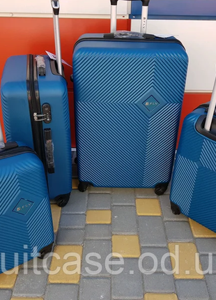 Чемодан,валіза ,польский бренд,качественный ,надёжный
