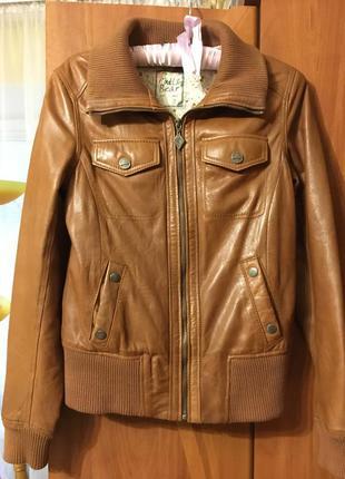 Шкіряна куртка pull&bear