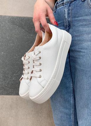 Обувь, кроссовки