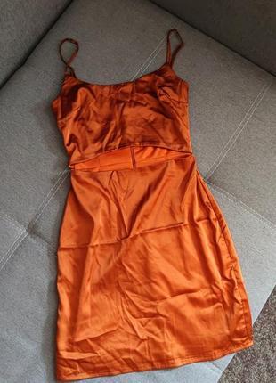 Сногшибательное платье с вырезом 34р