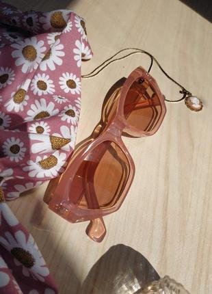 Стильные очки бежевые ретро многоугольные розовые персиковые