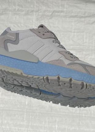 Бежевые кроссовки adidas jogger