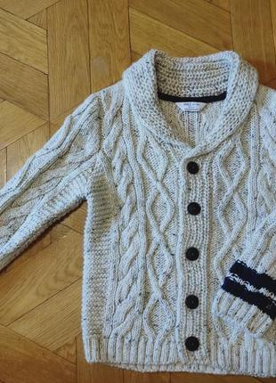 Вязаний светр