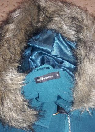 Пальто дафлкот с капюшоном с мехом