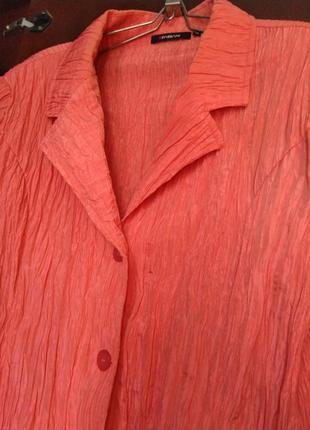 Яркий летний пиджак италия