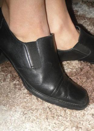 Распродажа осенней обуви50% туфельки 26,5 кожа
