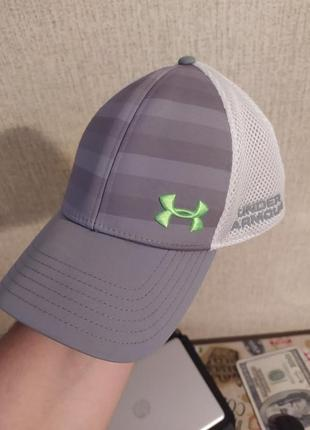 Кепка от under armour