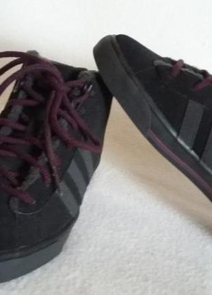 Утепленные высокие кроссовки фирмы adidas vibe touch p. 36 стелька 23 см
