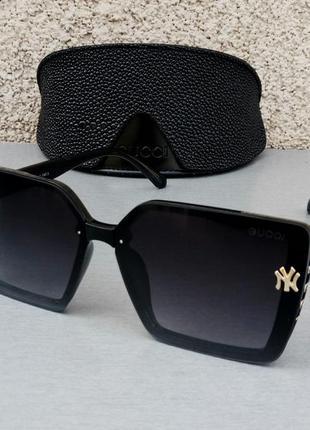 Gucci очки стильные женские солнцезащитные большие черные с золотым логотипом