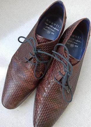 Мужские туфли bugatti, новые, 43