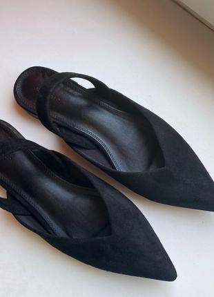 Новые чёрные мюли, сабо с острым носом reserved